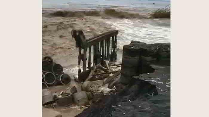Kondisi muara sungai di Pantai Siyut, Desa Tulikup, Gianyar, Minggu (11/10/2020)