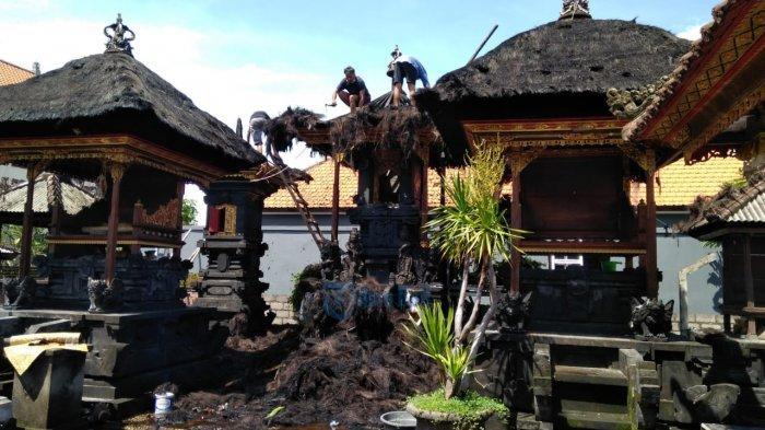 BREAKING NEWS - 3 Pelinggih Pura Tuguan Terbakar Siang Ini, 4 Unit Damkar Merapat ke Lokasi