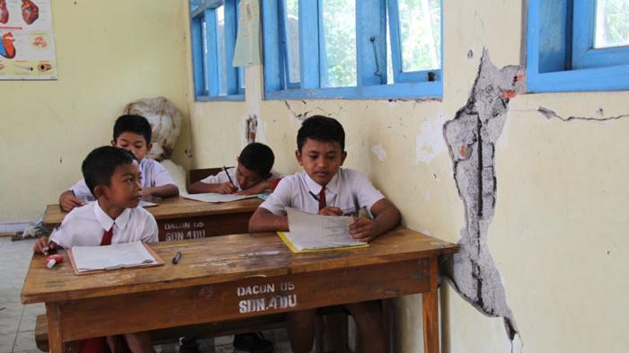 Lama Tak Ditempati Karena Pandemi, Belasan Sekolah Dasar di Karangasem Bali Makin Rusak