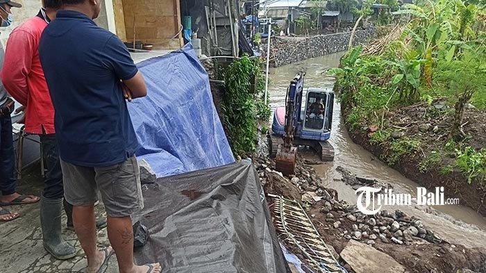 Meski Senderan Rumah Jebol di Badung Bali, Komang Artawan Pilih Tetap Diam di Rumahnya