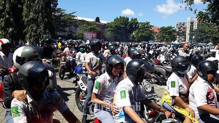 Setelah Corat-coret Seragam, Siswa SMA Denpasar Konvoi ke Pantai Pandawa Dikawal Dua Mobil Patwal