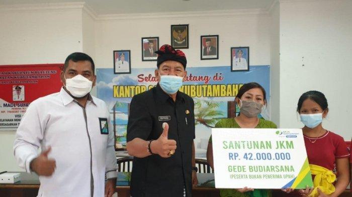 Keluarga Ahli Waris Korban Pengeroyokan di Monang Maning Denpasar Dapat Santunan Rp 42 Juta