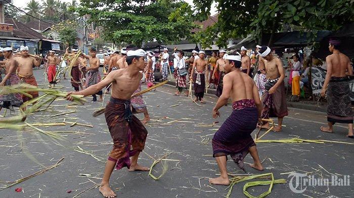 Mengenal Tradisi Matigtig di Desa Bebandem Karangasem, Wujud Sifat Kesatria Pelindung Desa