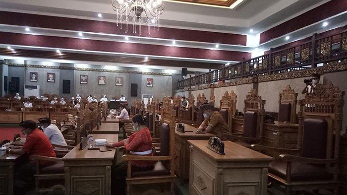 Jumlah Peserta Tak Kuorum, Sidang Paripurna DPRD Karangasem dengan Agenda Penyerahan RPJMD Ditunda