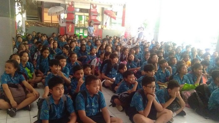 LABC Denpasar dan Siswa SD Saraswati 1 Bertekad Tolak Merokok