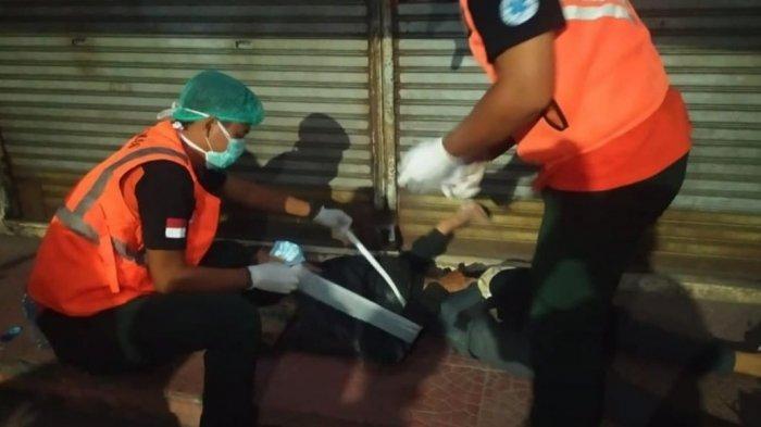Jalanan Rusak di Jalan Cokroaminoto Denpasar Makan Korban, Pria Ini Alami Patah Tulang Bahu