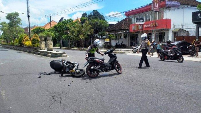 Lakalantas dua pemotor di Jalan Ngurah Rai Kota Negara Kecamatan Jembrana, Senin (28/12/2020).