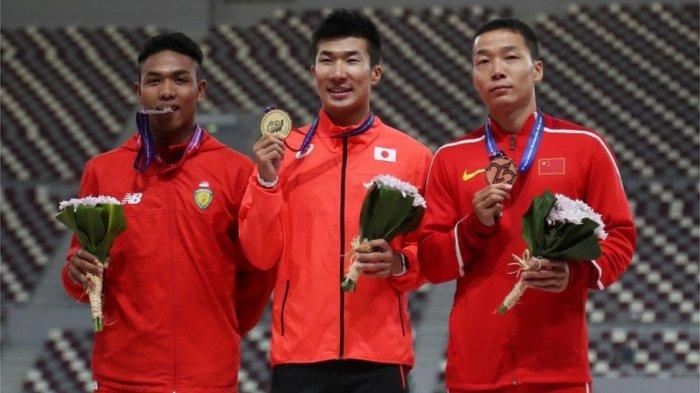 Lalu Muhammad Zohri (kiri) meraih medali perak Kejuaraan Atletik Asia di Doha, 22 April 2019.