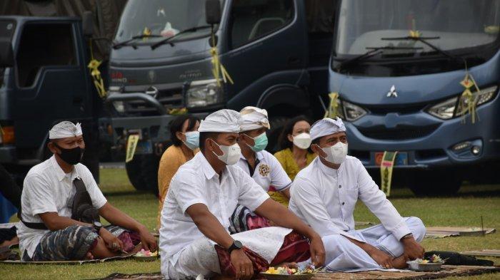 Peringatan Tumpek Landep, Lanal Denpasar Upacarai Kendaraan dan Alutsista
