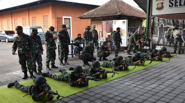Lanal Denpasar Gelar Latihan Menembak, Danlanal : Naluri Tempur Prajurit Harus Diasah