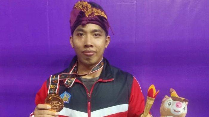 Bersaing Melawan Juara Olimpiade, Lifter Bali Ketut Ariana Raih Medali Perunggu Kelas 81 Kg