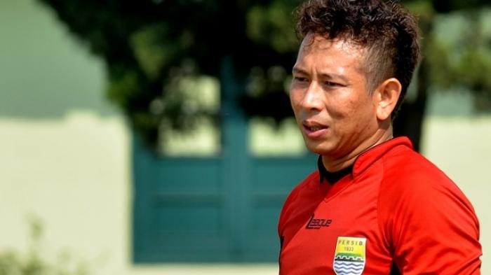 Kiper Persib Bandung, Made Wirawan 'Mulih' ke Bali, Lepas Rindu dengan Keluarga Besar