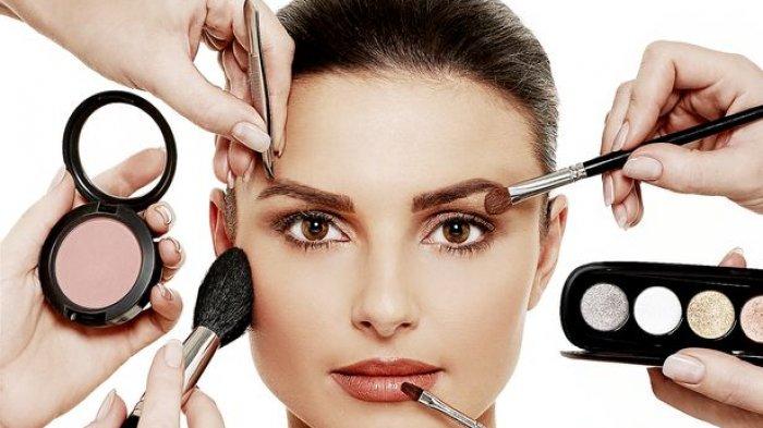Riasan Mata hingga Contour, 4 Kesalahan Make Up Ini Bikin Wajah Terlihat Lebih Tua