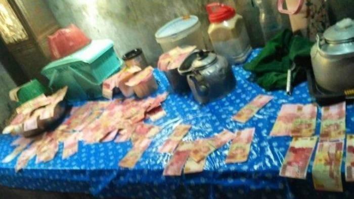 Dikejutkan Uang Pecahan Seratus Ribu Rp 23 Juta Tersebar di Aliran Irigasi, Warga Plumbon: Uang Asli