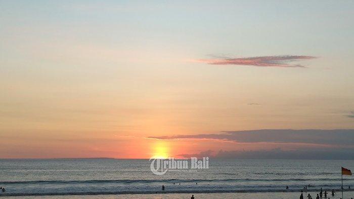 TRIBUN WIKI - 8 Pantai Terbaik di Kuta dan Sekitarnya untuk Menikmati Sunset