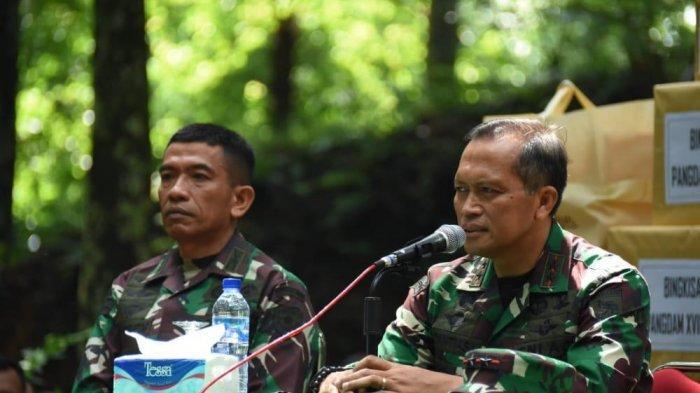 Mayjen TNI I Nyoman Cantiasa, S.E., M.Tr.(Han) melakukan kunjungan ke Rindam Jaya