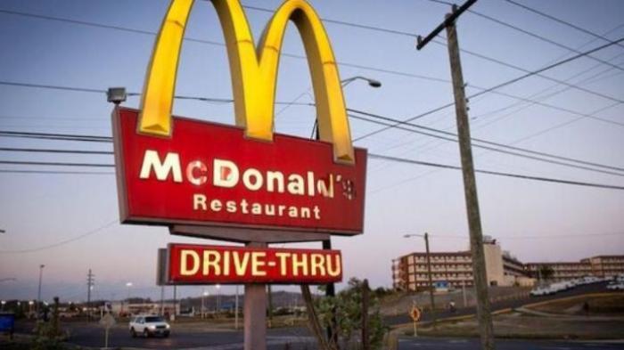Akibat Terlalu Ramah, Ini yang Didapat Karyawan McDonald's dari Pelanggannya