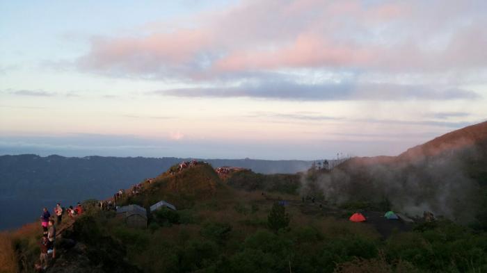 Suara Misterius yang Didengar Saat Mendaki Gunung, Bisa Jadi karena Efek Ini