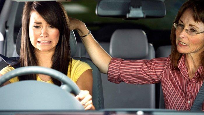 Baru Belajar Berkendara, Ini Perbedaan Mobil Matik dan Manual yang Harus Kamu Tahu