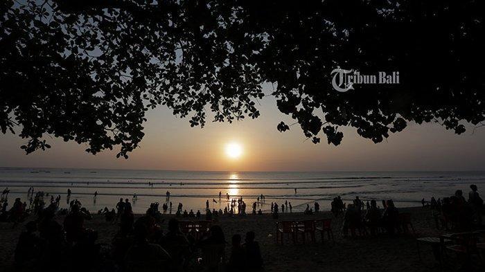 Ahli Virus Sebut Pantai Aman Dibuka Asal Ada Pengawasan Ketat