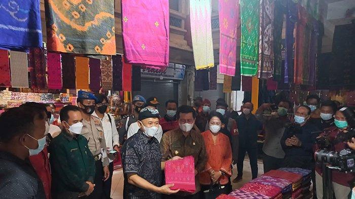 Kunjungan Menteri Jangan Sebatas Seremonial,Penjual Endek Harap Bisa Geliatkan Pasar Seni Semarapura