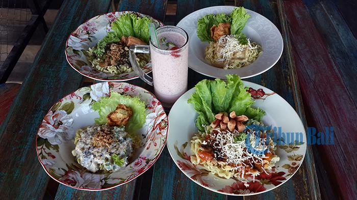Aneka Mi di Saint Jhon Café Pakai Sosis Goreng dan Siomay Hanya Rp 5000