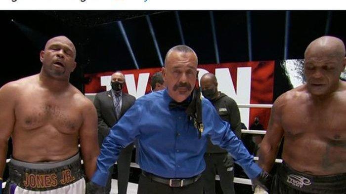 Hasil Duel Mike Tyson Vs Roy Jones Berakhir Imbang, Namun Si Leher Beton Tampil Dominan