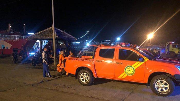 TERKINI: Petugas SAR Masih Lakukan Evakuasi Korban Tenggelamnya KMP Yunicee di Pelabuhan Gilimanuk