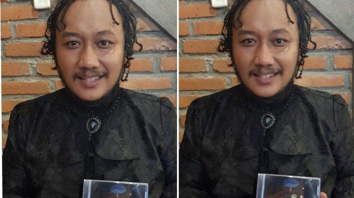 Terinspirasi Pria Eropa Timur, Satrio Welang Luncurkan Album Musikalisasi Puisi 'Danumaya'
