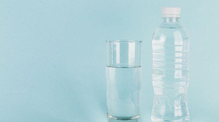 Mulai Sekarang Hentikan Kebiasaan Mengisi Ulang Botol Plastik, Ada Bahaya Kesehatan yang Ditimbulkan