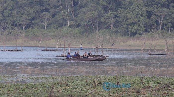 Berlibur ke Danau Tamblingan, Ada Kemping Ground, Perahu Jukung dan Panorama Unik Ini