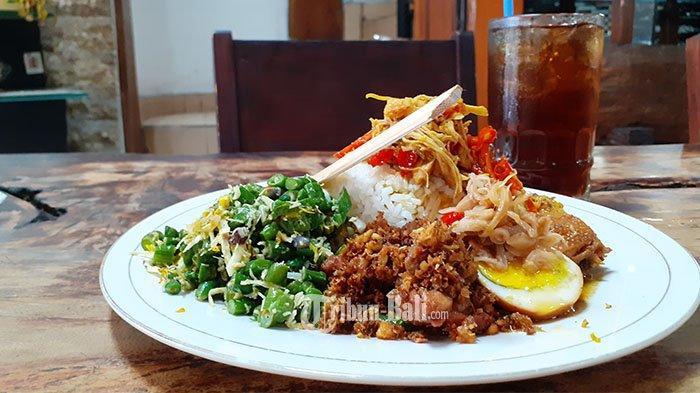 KISAH Pemilik Warung Nasi Ayam Bu Oki Racik Bumbu Bali: Semula Jual di Emperan, Kini Punya 5 Cabang