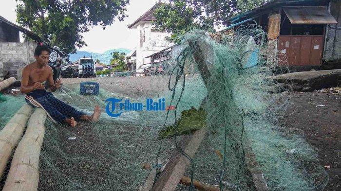 Beberapa Kelompok Nelayan di Klungkung Terima Bantuan 6 Jukung dan 20 Paket Jaring Ikan Tahun 2021