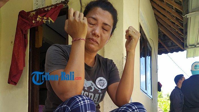 Meneteskan Air Mata, Sariani Ungkap Sudah Sebulan Tak Tahu Nasib Suami di Nusakambangan