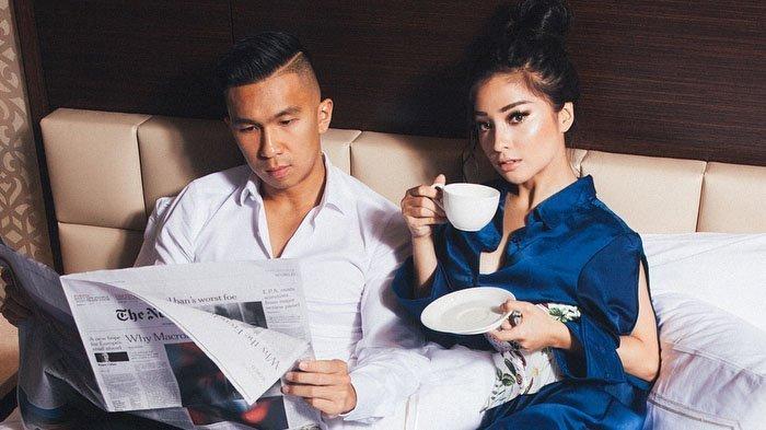 Nikita Willy dan Indra Priawan Resmi Bertunangan Setelah1.339 Hari Saling Kenal