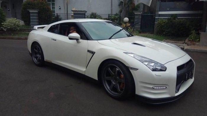 Ini Spesifikasi & Kelebihan Mobil Nissan GT-R yang Mengalami Kecelakaan Milik Wakil Jaksa Agung