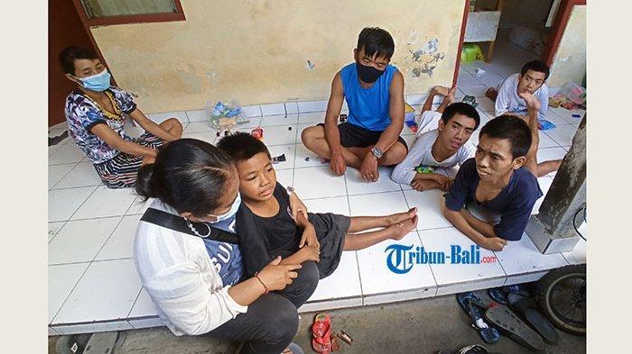 Kisah Pahit Nyoman Darma dan Istri, Rawat Empat Anak yang Lumpuh Saraf di Denpasar