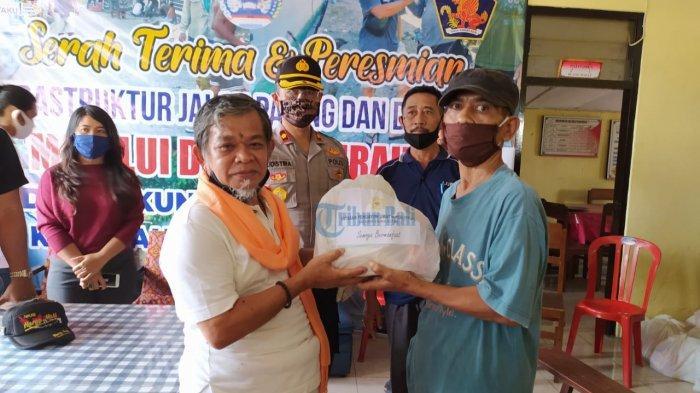 YPUH Buleleng Bagikan 240 Paket Sembako untuk Warga Kampung Baru dan Kampung Anyar
