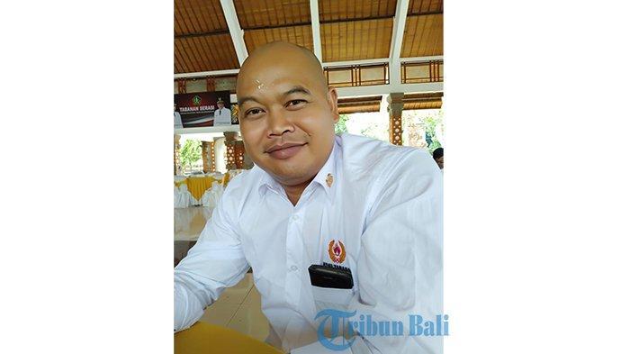 Jelang PON Papua, Pengurus KONI Bali Menginap di Pura Agung Surya Bhuyana Jayapura, Tidur Lesehan