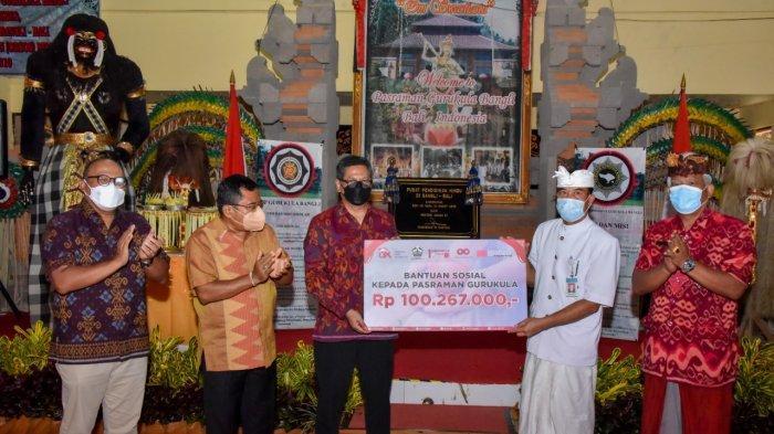 1 Dasawarsa, OJK Regional 8 Bali dan Nusa Tenggara Berikan Dana Renovasi ke Pasraman Gurukula Bangli