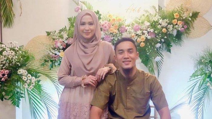 8 Tahun Hidup dengan Okie Agustina, Bek Bali United Gunawan Mendadak Tulis: Love U Istriku