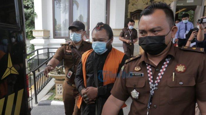 UPDATE: Dilimpahkan, Oknum Sulinggih Tersangka Pencabulan Ditahan Jaksa Denpasar