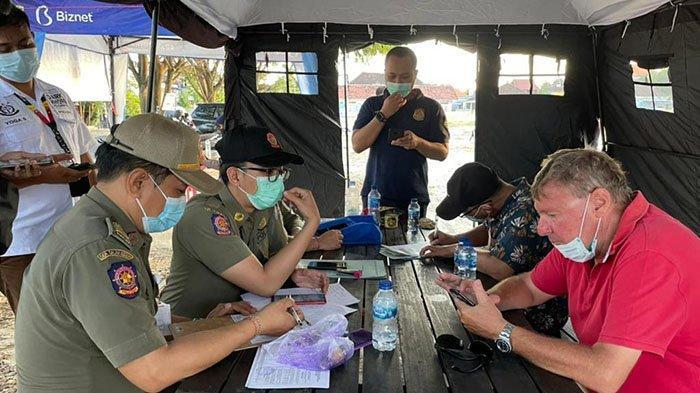 7 WNA Terjaring Melanggar Prokes di Badung, Satu Orang Ditahan Paspornya dan 6 Diberi Sanksi Denda