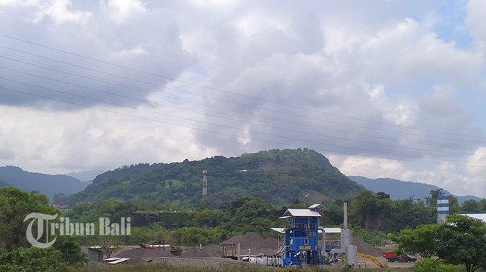 Warga Desa Tangkas Protes Keberadaan Pabrik AMP, Khawatir Terdampak Asap dan Debu