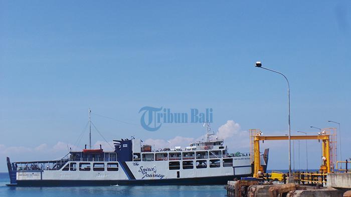 Sejak Pemberlakuan PPKM Jawa Bali, Penumpang Ferry di Pelabuhan Padang Bai Turun Hingga 30 Persen