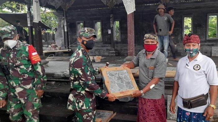 Pangdam IX/Udayana Beri 100 Dos Keramik, Bantu Pembangunan di Desa Akah Klungkung