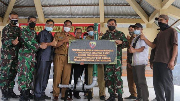 Pangdam IX/Udayana Serahkan dan Resmikan Pompa Air Hidram di Desa Gobleg Buleleng