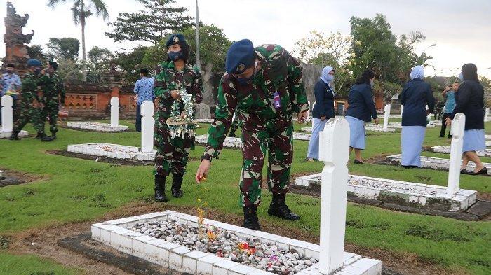 Sambut Hari Bakti ke-73 TNI AU, Danlanud I Gusti Ngurah Rai Ziarah di TMP Pancaka Tirta