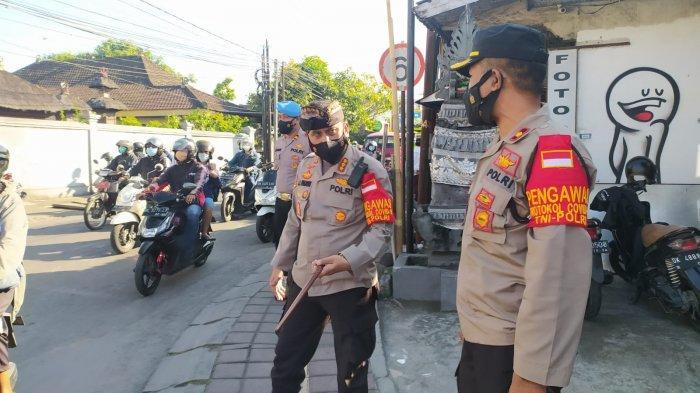 Tinjau Pos Penyekatan Jalan Nangka Utara Denpasar, Jansen: Mobilitas Masyarakat Masih Banyak