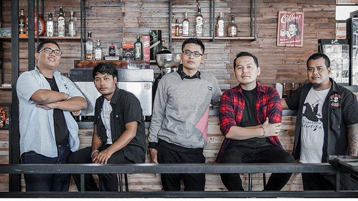 Terinspirasi KB Bali 4 Anak, JR17 Band Rilis Single